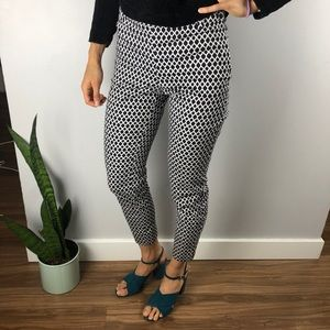 2 for $40 H&M Black &White Geometric Cropped Pants